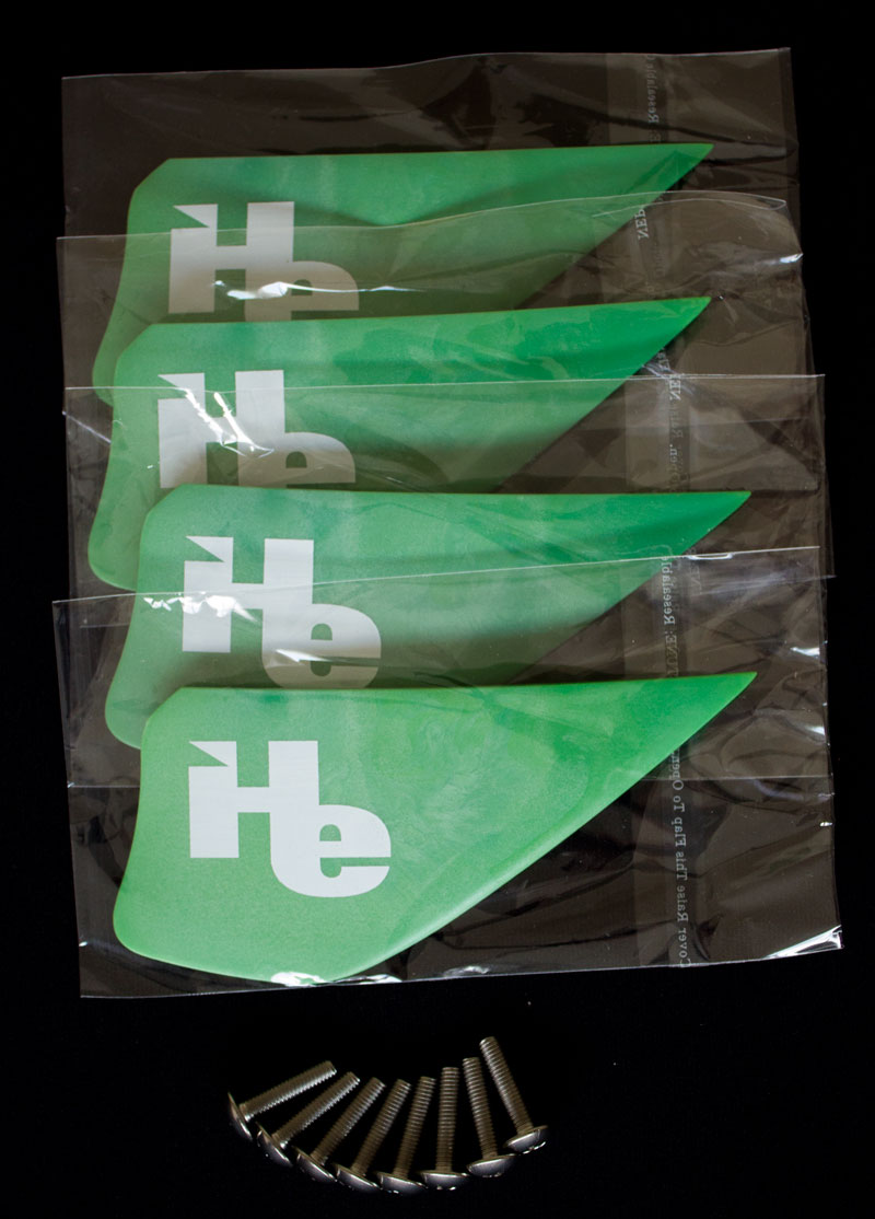 2.25 inch (57mm) kiteboarding fin package: 4 fins + screws